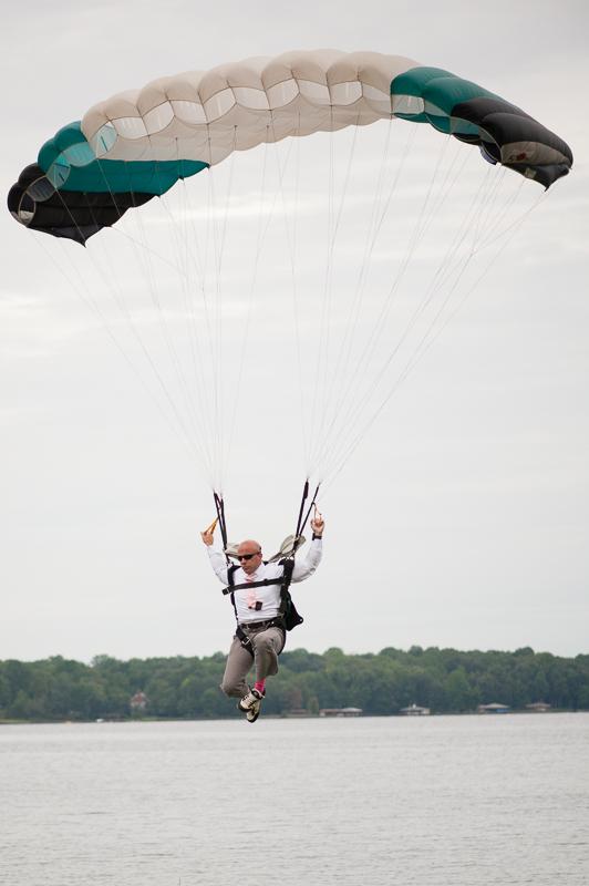 groom skydiving